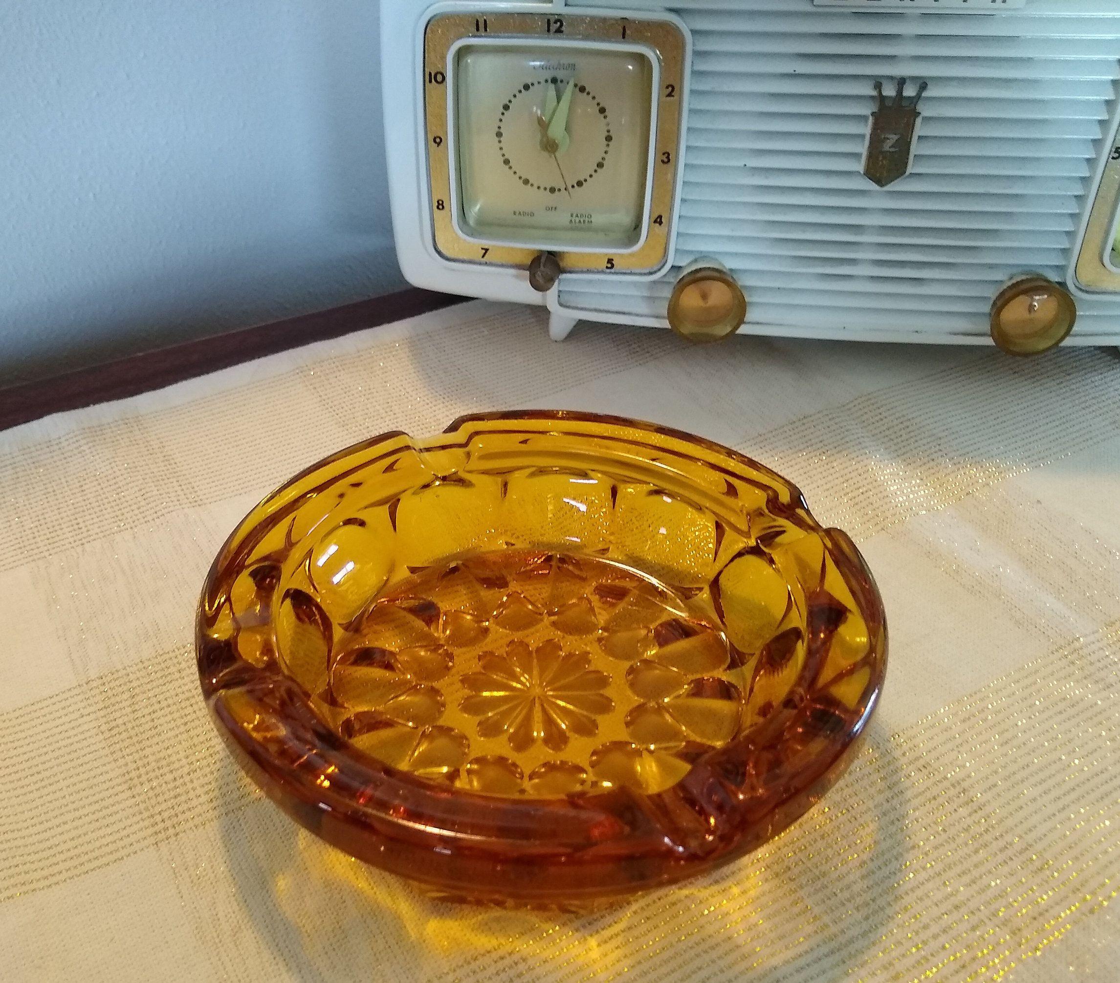 "Vintage Amber Glass Heavy Ashtray Set of 2 Square 3 3//4/"" Across Smoker Tobacco"