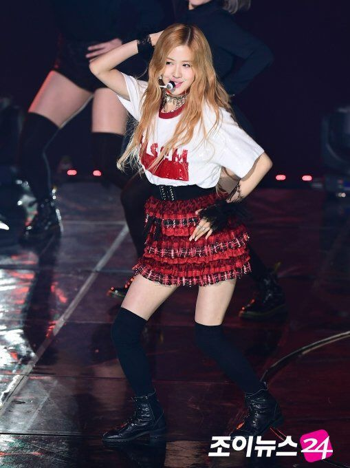 "1f39e78aca "" PRESS  170222 Rosé   6th Gaon Chart Music Awards """