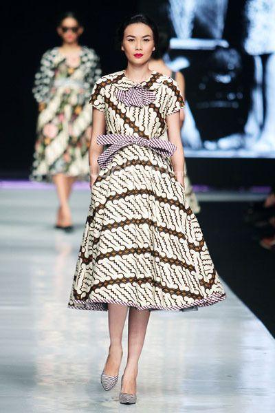 35 Model Dress Batik Modern Masa Kini 2019, Terbaru ...  Model Dress Batik Pesta