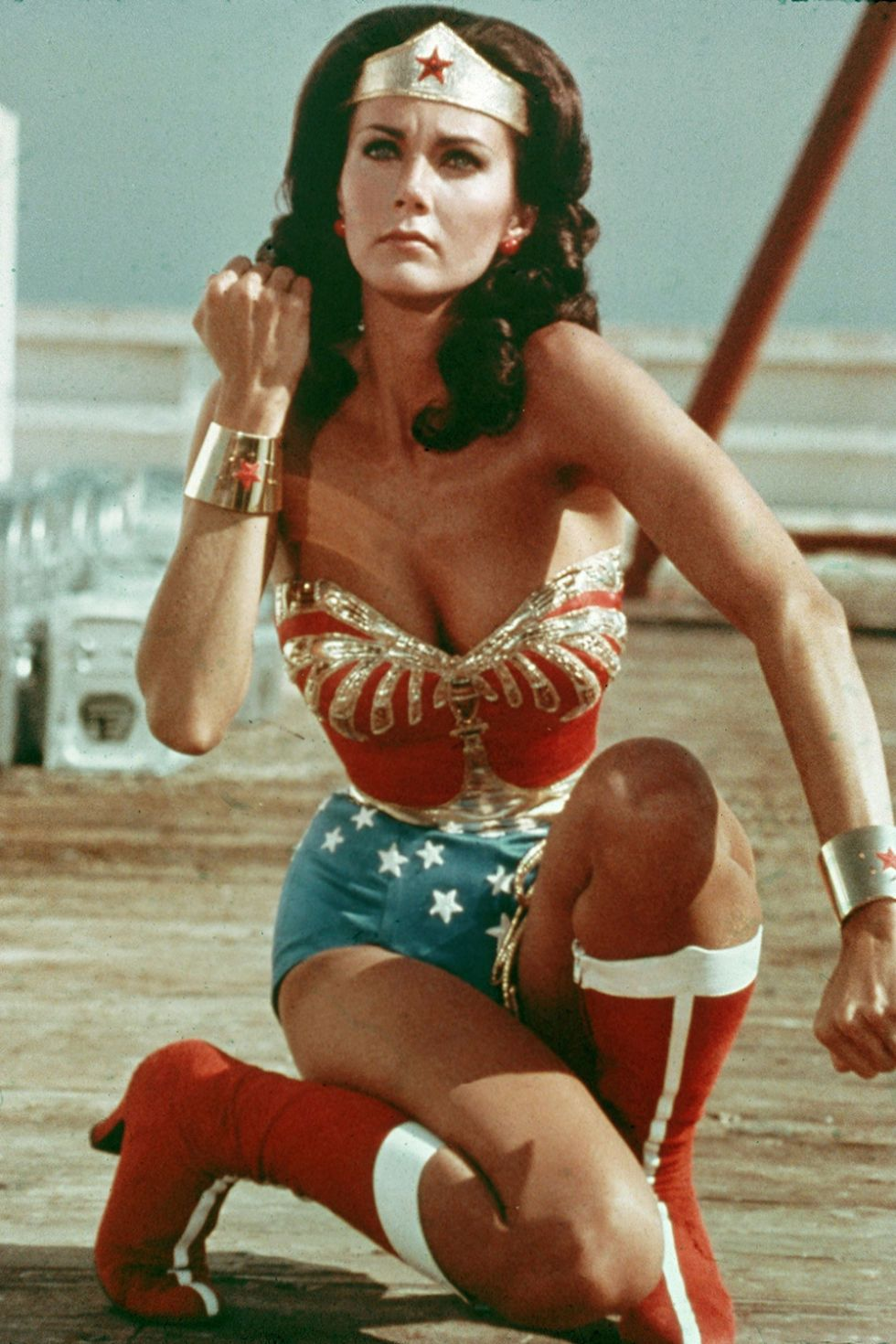 Lynda Carter Really Wants To Star In Wonder Woman 2 Wonder Woman