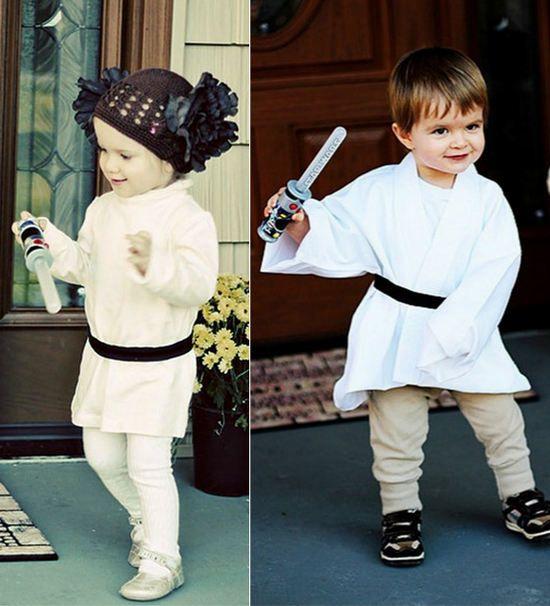 Aquí podemos ver unos disfraces de Star Wars caseros para niños. Los disfraces son muy fáciles de realizar en casa con poca cosa tanto para el disfraz de la princesa Leia como para el disfraz de Luke Skywalker. Para empezar...