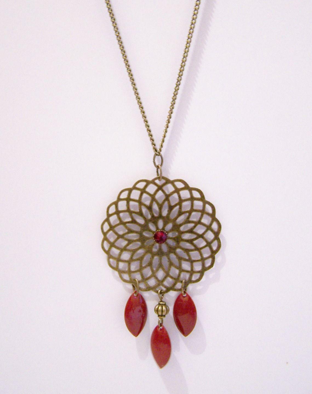 Sautoir estampe et sequins émaillés rouge : Collier par les-bijoux-de-circe
