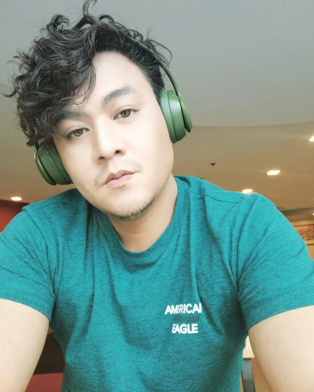 Men Curly Hairstyle | Curly hair men, Korean men hairstyle, Hipster hairstyles