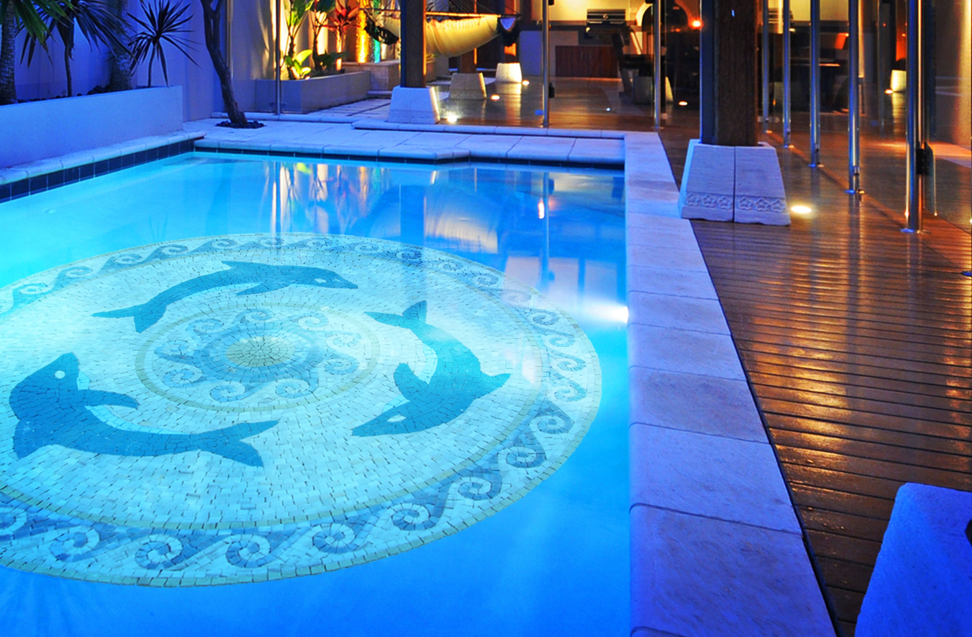 5 Creative Ways To Decorate Your Swimming Pool This Summer Mosaic Pool Swimming Pool Mosaics Mosaic Medallion