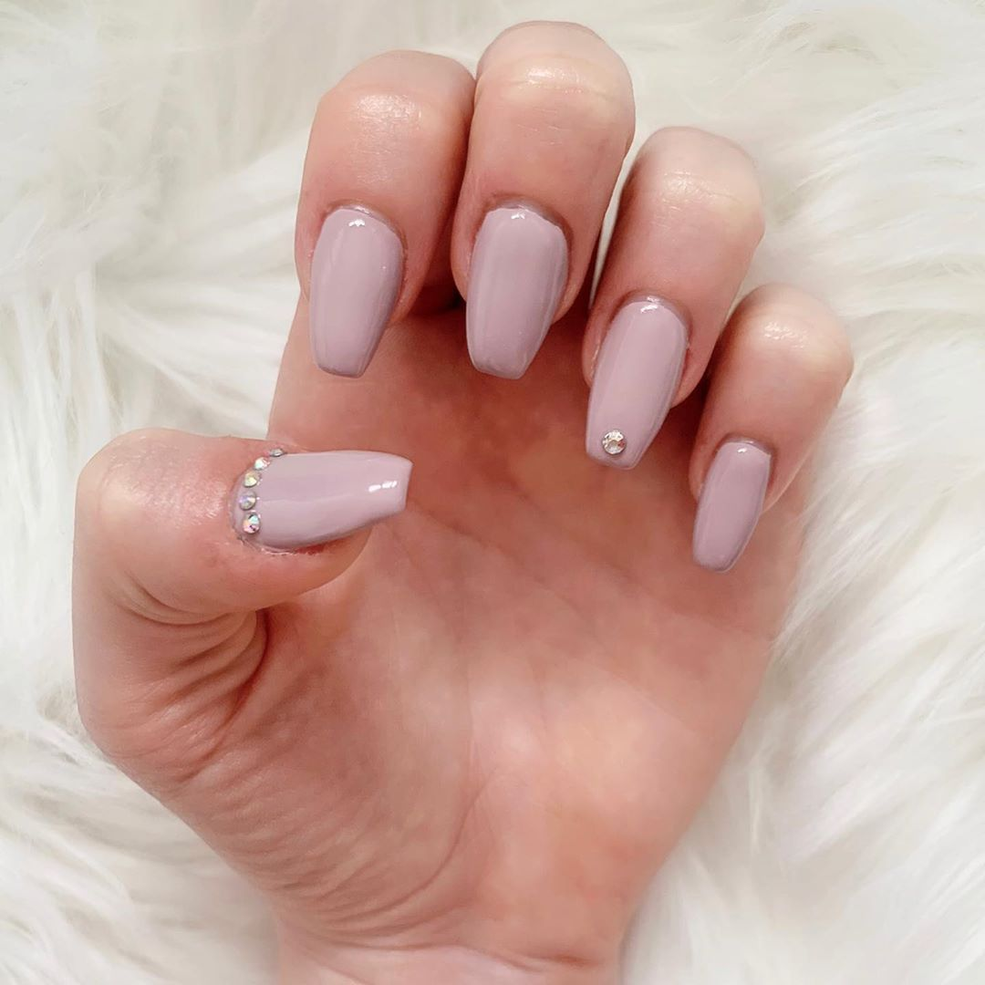 Trying out the @naionailsuk builder in a bottle and I love it 💕 #builderinabottle #biab #nails #nailsofinstagram #nail #beauty #nailextensions #gelnails #crystals #nudenails #love #pink #natural #naturalnails