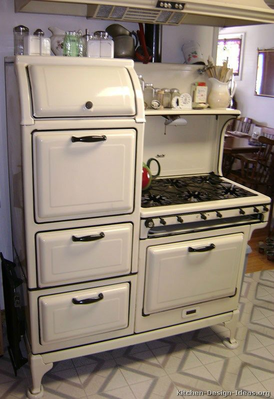 vintage stoves  Love #vintage appliances? Look at this #antique - muebles de cocina economicos