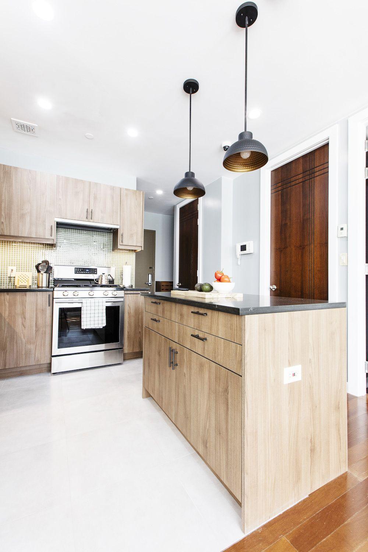 A Kitchen Gets A New Layout In Flushing Queens Kitchen Renovation Kitchen Big Kitchen