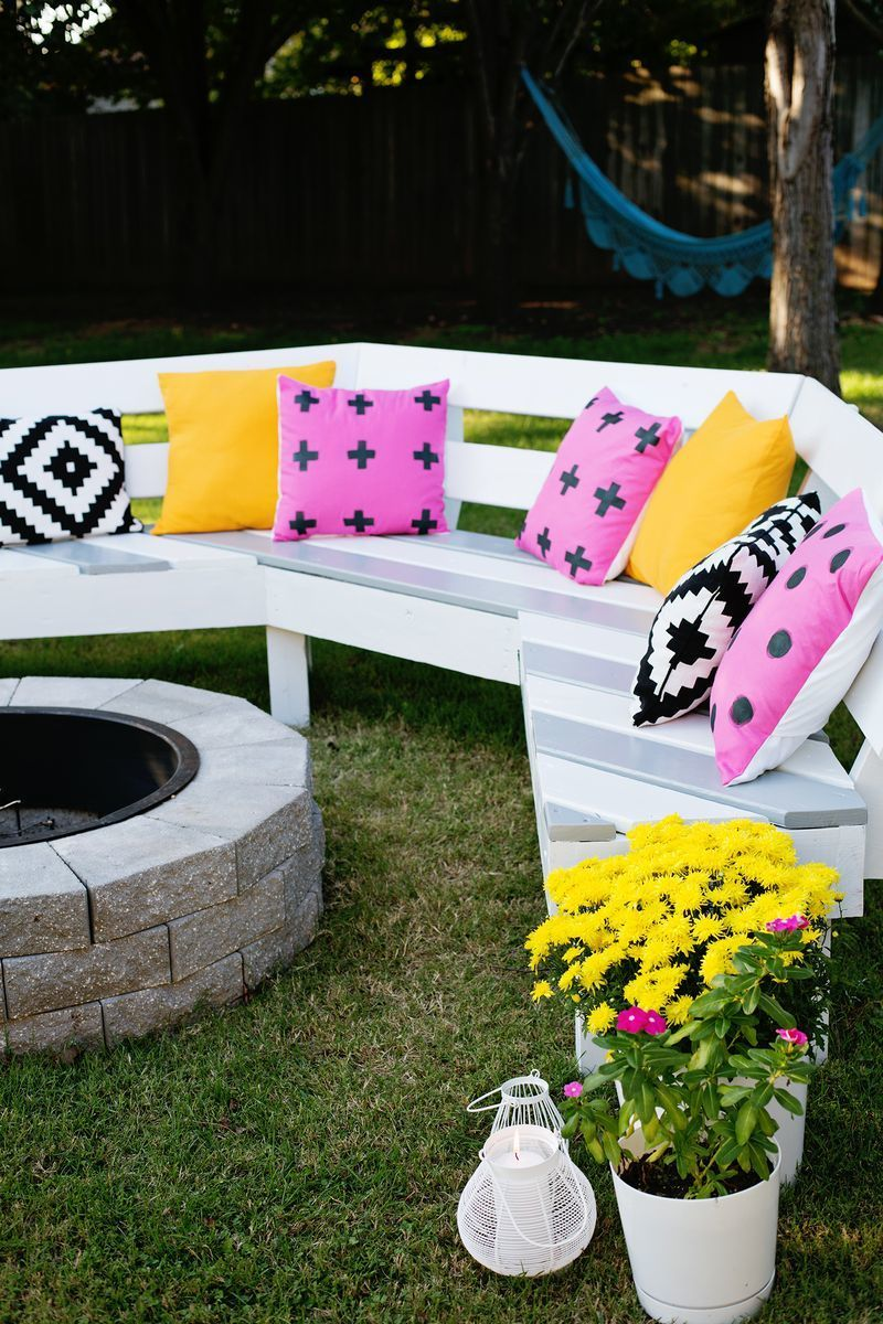 Diy Curved Fire Pit Bench Featuring A Beautiful Mess Fire Pit