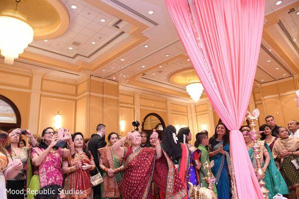 Indian wedding ceremony guests http://www.maharaniweddings.com/gallery/photo/136537