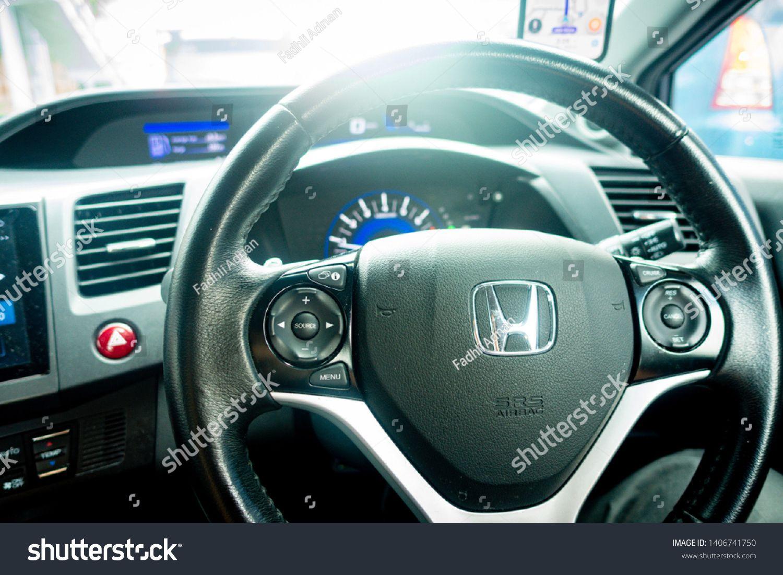 Kuching Malaysia May 2019 Closed Up Shot Of Honda Logo At Steering Wheel Interior Of Honda Civic Sponsored Ad In 2020 Kuching Malaysia Malaysia Honda Logo