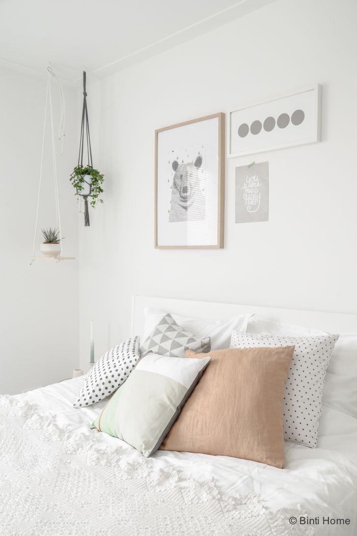 Bedroom inspiration styling slaapkamer inspiratie pastel zachte tinten laurien bintihome - Modern volwassen kamer behang ...