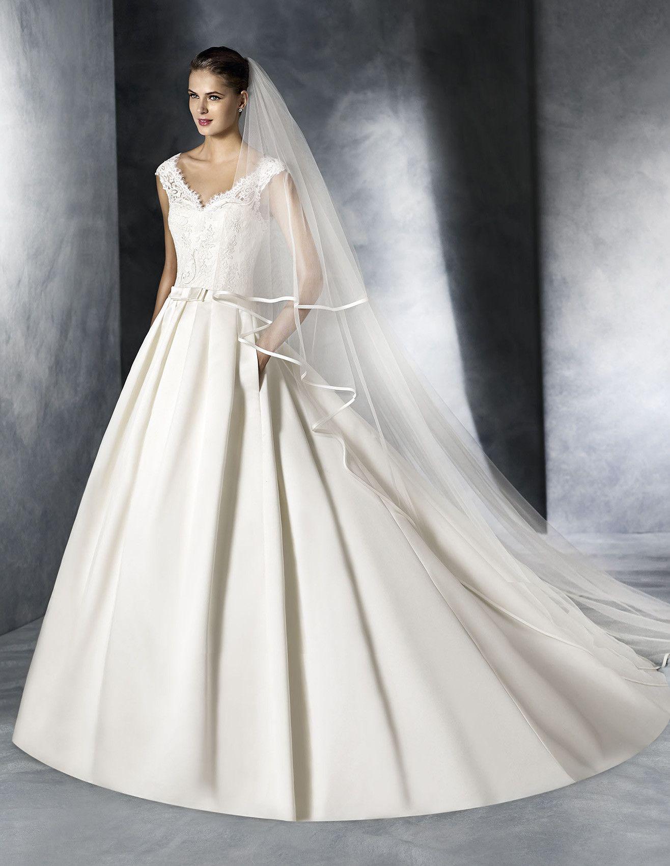 6cd3e63a4 El modelo JENNY es un vestido de novia confeccionado en raso