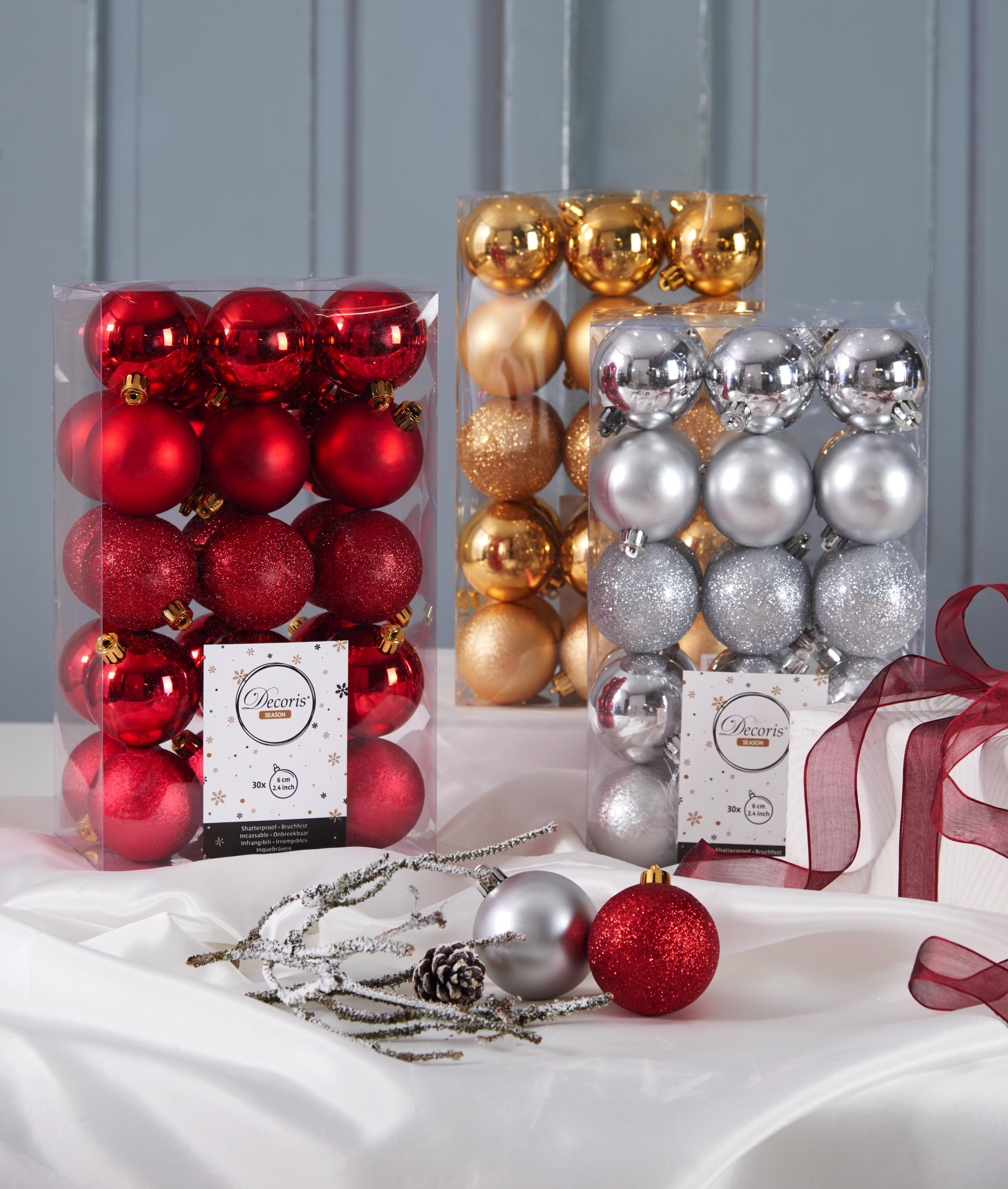 Weihnachtsdeko in silber und rot