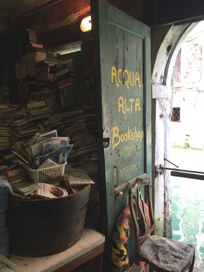 Libreria Acqua Alta | 24 Hours in Venice, Italy | BrowsingItaly.com