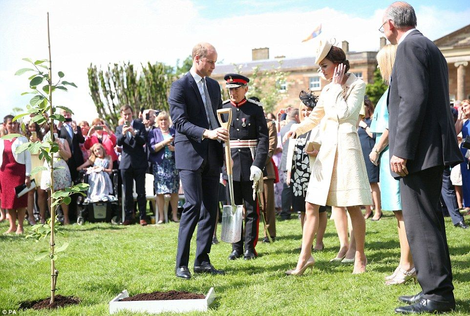 Despite any malfunctions she may have been suffering with her hair the Duchess was not hes...
