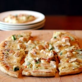 Grilled Chicken Alfredo Pizza - Absolute perfection on a crust!