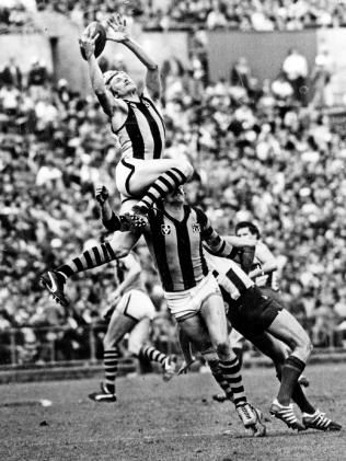 Best marks in VFL/AFL history: Jeremy Howe, Gary Ablett