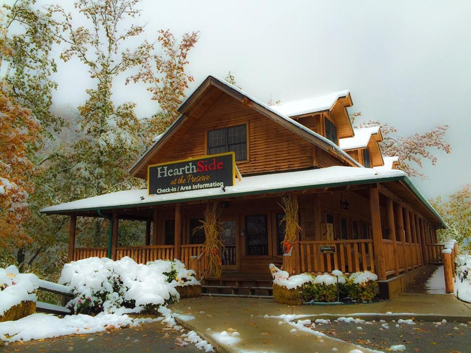 4 Bedroom Sleeps 16 Cooper S Cove By In 2020 Gatlinburg Cabin Rentals Secluded Cabin Cabin Rentals