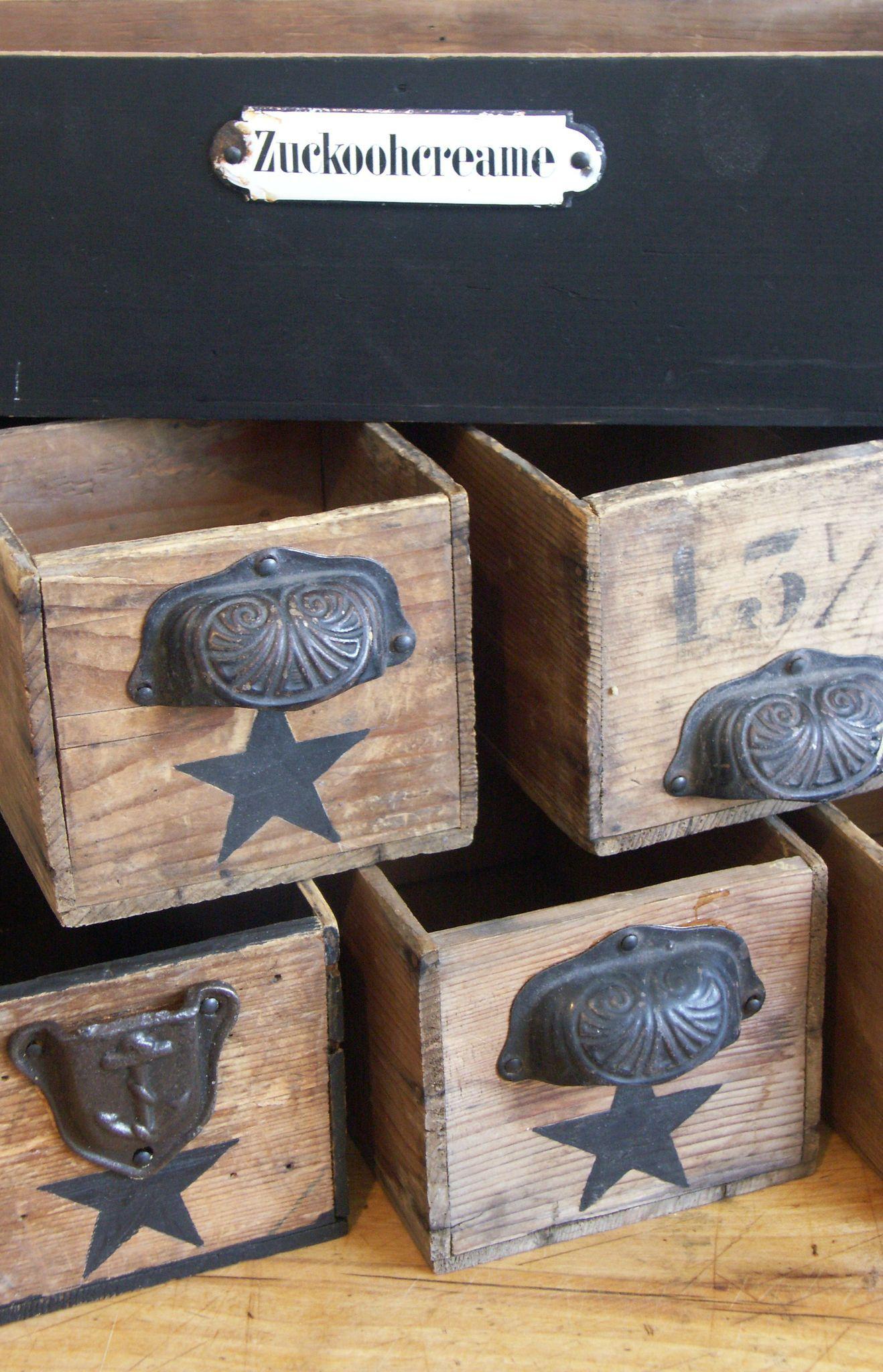 tiroirs d 39 ancienne machine coudre superbe bo te de rangement decoraci n pinterest star. Black Bedroom Furniture Sets. Home Design Ideas