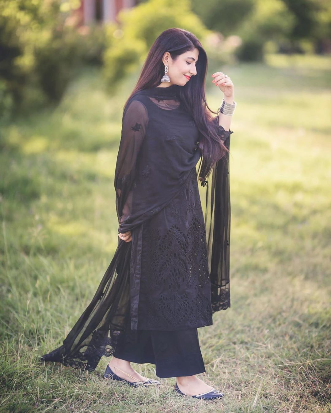 Maha Wajahat Khan Mahawajahatkhan Added A Photo To Their Instagram Account Blackismyhap Black Pakistani Dress Indian Fashion Dresses Velvet Dress Designs [ 1350 x 1080 Pixel ]