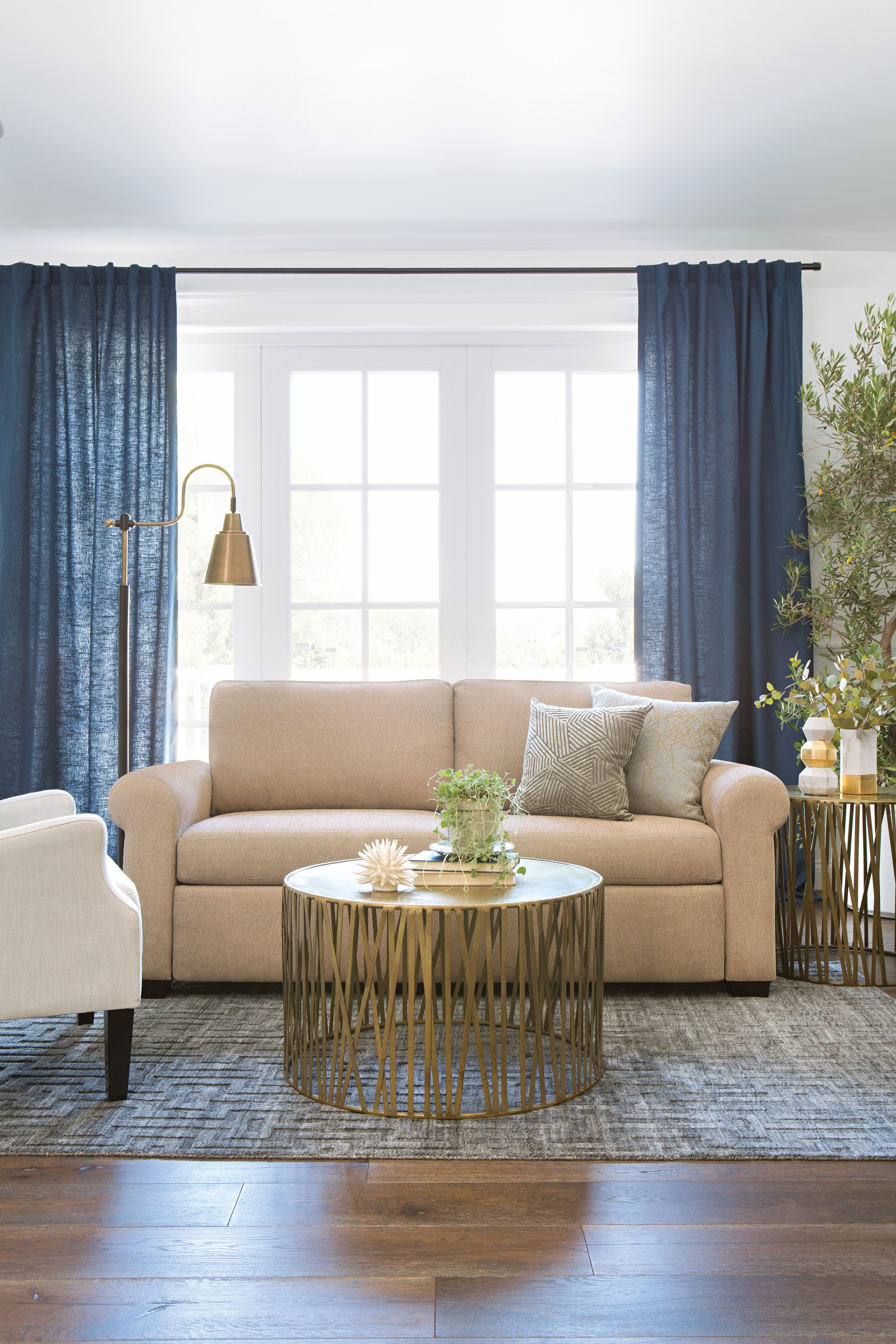 Living Room Timeless Decorating Ideas: Neutral Living Room Sofas. Traditional Style Sofas Bring A
