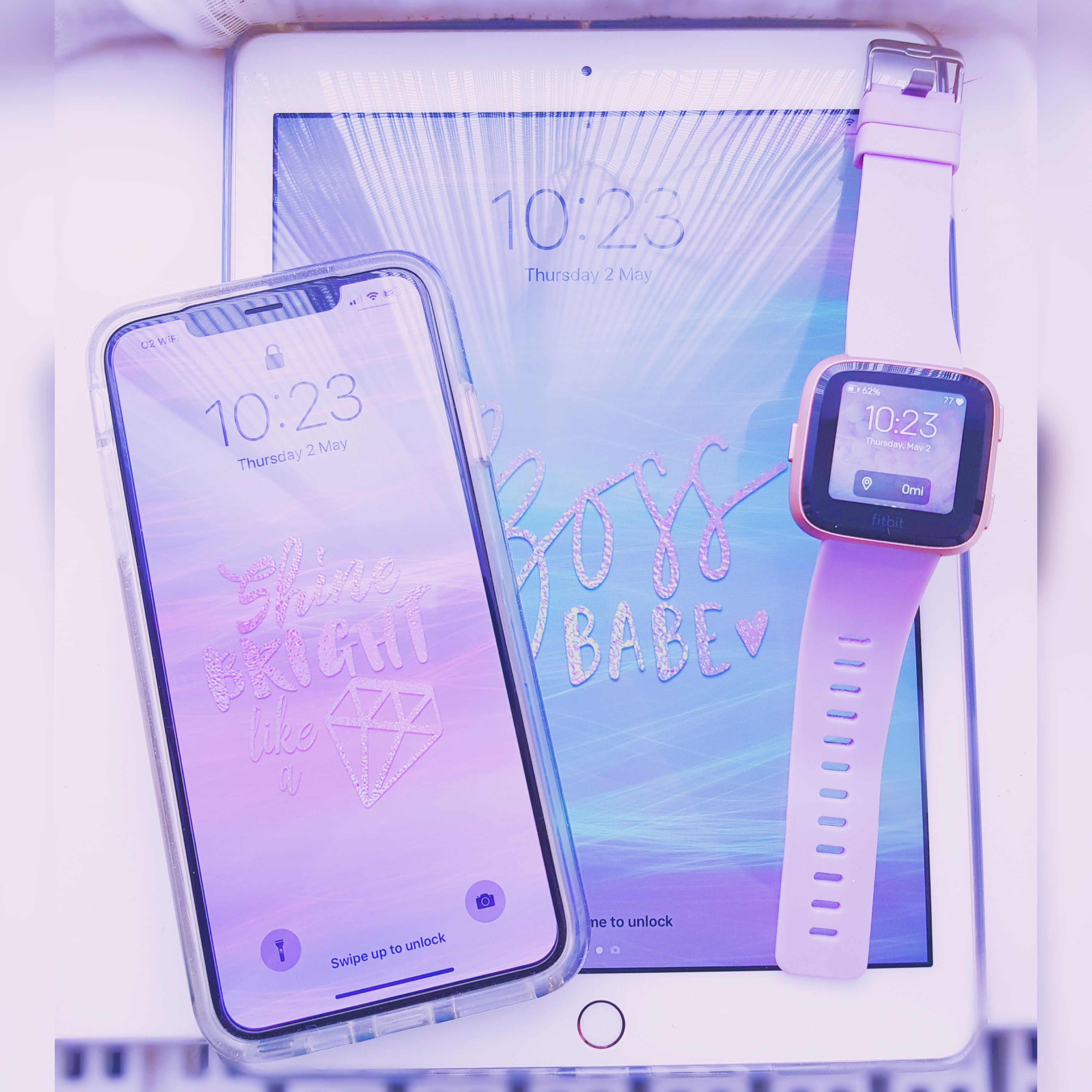 iPhone, iPhone XS Max, iPad 2018, Fitbit Versa, Tech