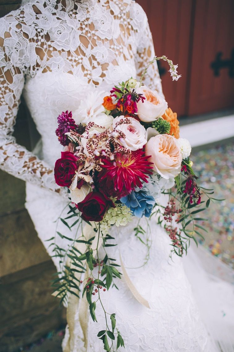 Perfect Fall Wedding Bouquet Ideas for Autumn Brides - autumn wedding bouquet, pretty bouquet #fallwedding #autumnwedding #fallbouquet
