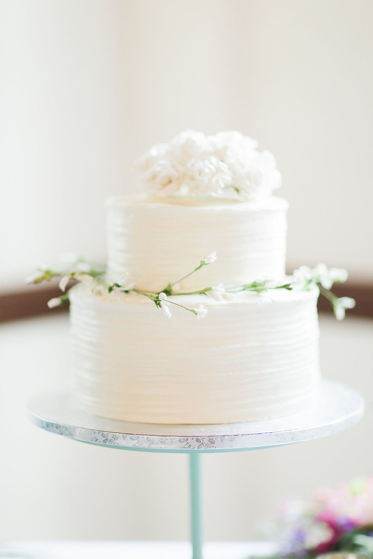 Simple Small White Wedding Cake Photo By Bricibene Com Ohhhhhh