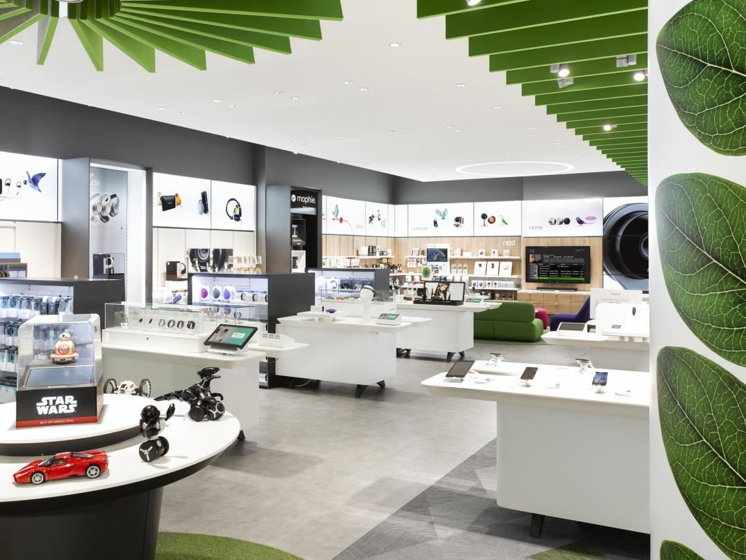 We worked with Lightbrigade to illuminate the TELUS store at the ...