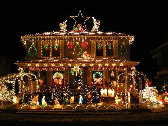 houses decorated for christmas | Houses that Could Use Incablock ...