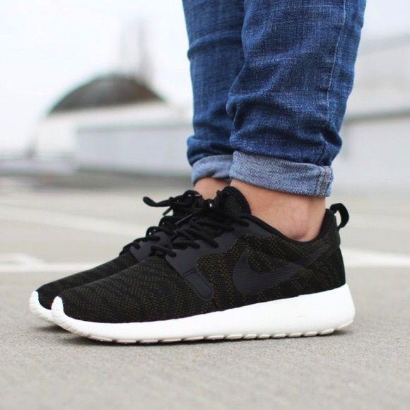 b217fa167661 Nike Roshe Run Jacquard Sneakers •Roshe jacquard sneakers in faded  olive black sail. •Women s size 6