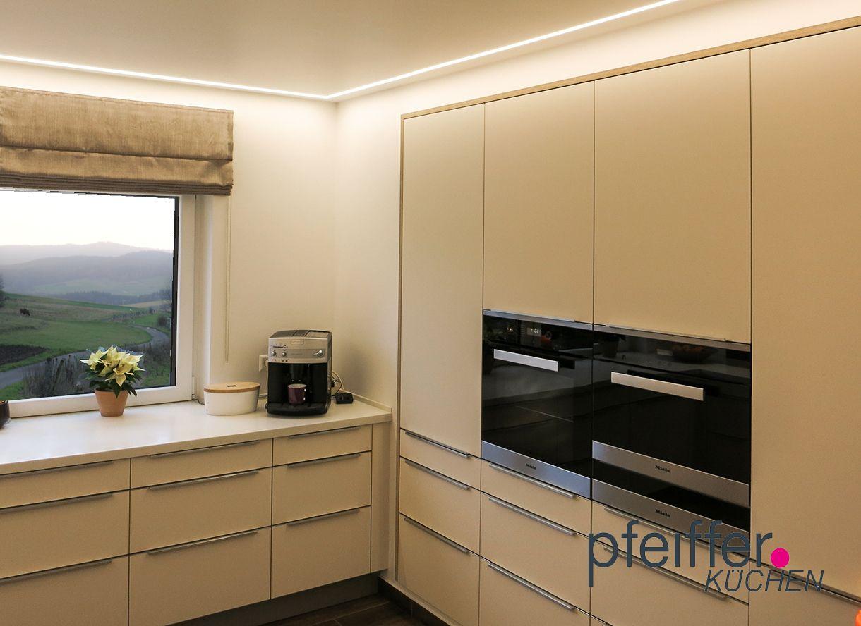 Mineralwerkstoff arbeitsplatte  Die Küchenschränke wurden hier flächenbündig in die Wand ...
