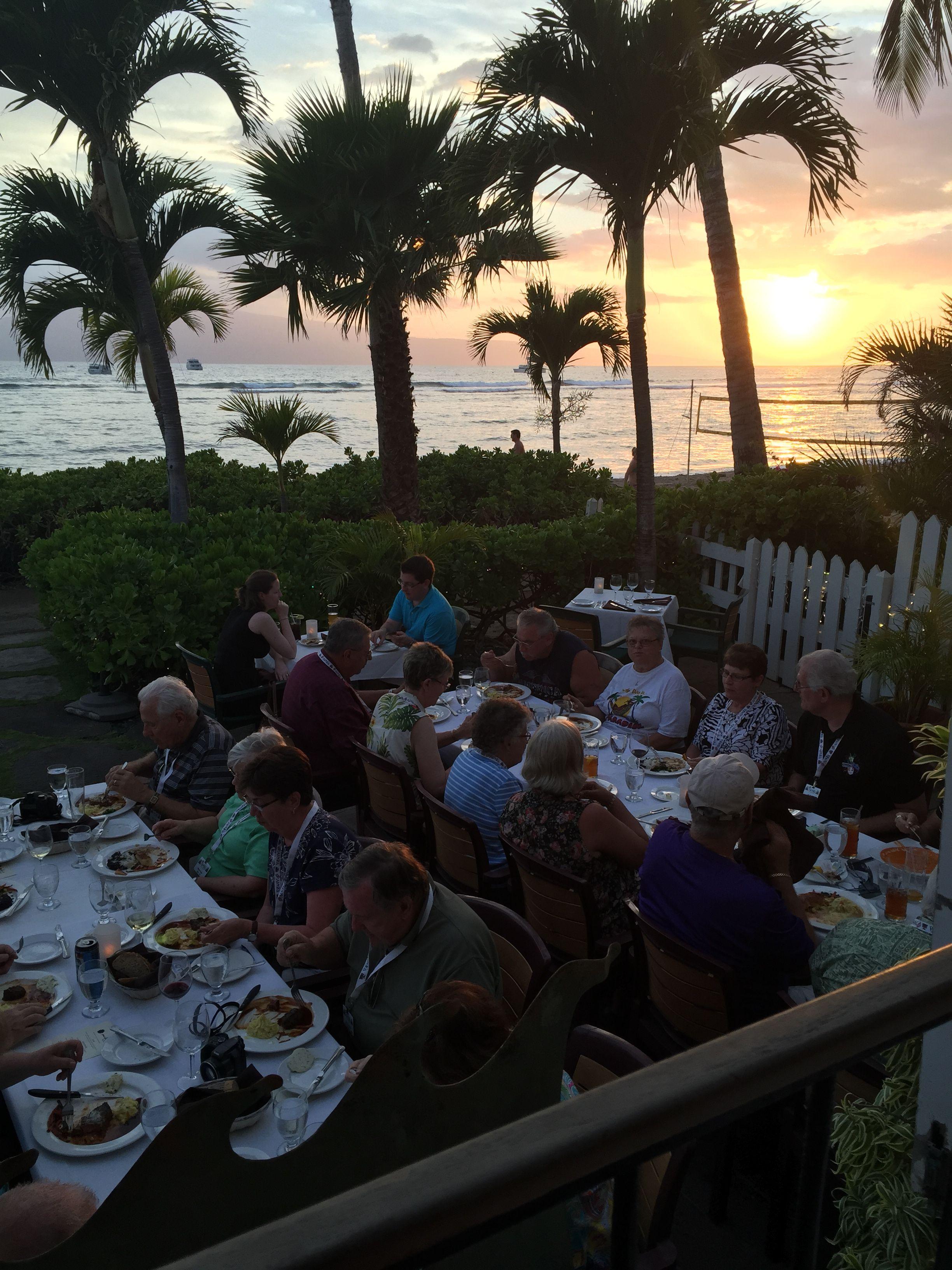 John Hall's Alaska Alumni Adventures Guests Enjoy Dinner
