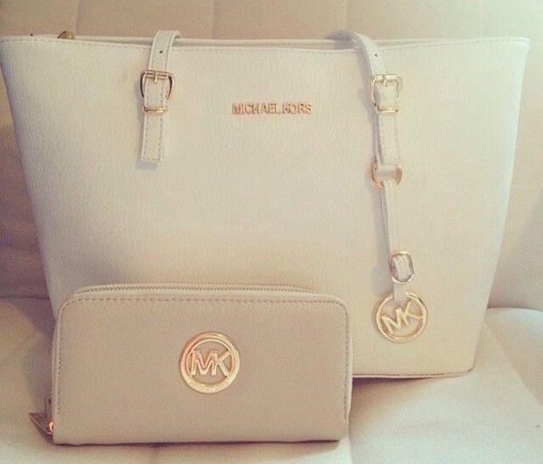 Micheal Kors white Handbag \u0026 Wallet that I really want!