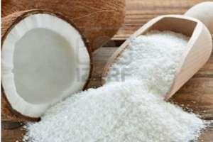El coco rallado se obtiene del núcleo una vez desecado al sol, es muy utilizado en repostería, pero sus beneficios van mucho más allá en el campo de la salud, ya que su riqueza nutricional lo convierte en un alimento muy saludable. SIGUE LEYENDO EN: http://alimentosparacurar.com/n/6890/3-beneficios-impensados-del-coco-rallado.html
