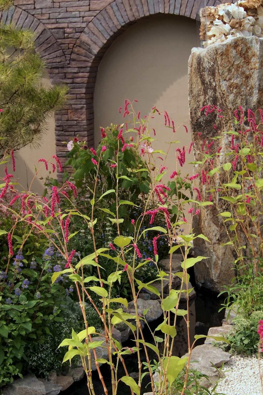 Kiss me over the garden gate. Japan garden by Jo Thompson http ...