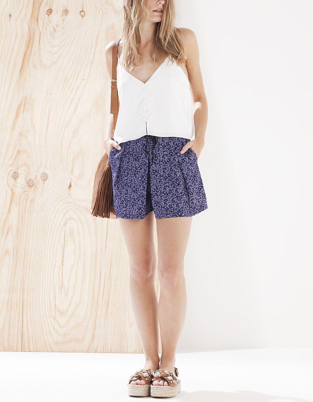 Krótkie spódnico-spodnie ze wzorem