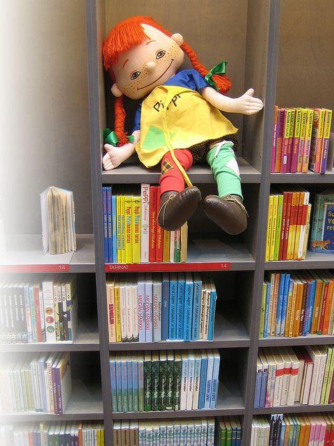 Vuosaaren kirjaston lastenosasto