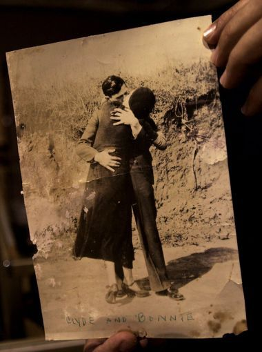 A photograph from the 1930s shows Bonnie Parker and Clyde ...