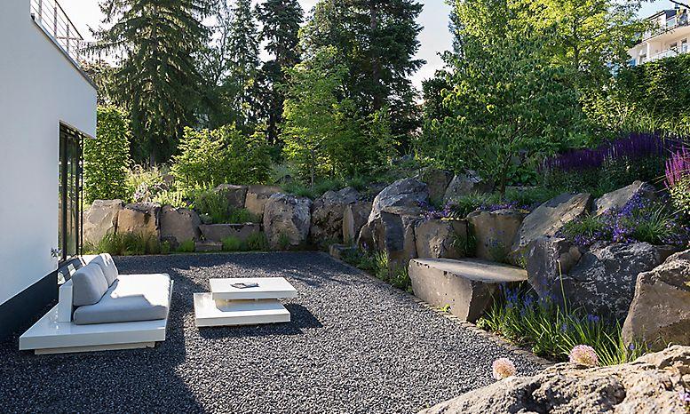 steiler hang hinter dem haus gestalten | Kategorie: Privatgarten ...