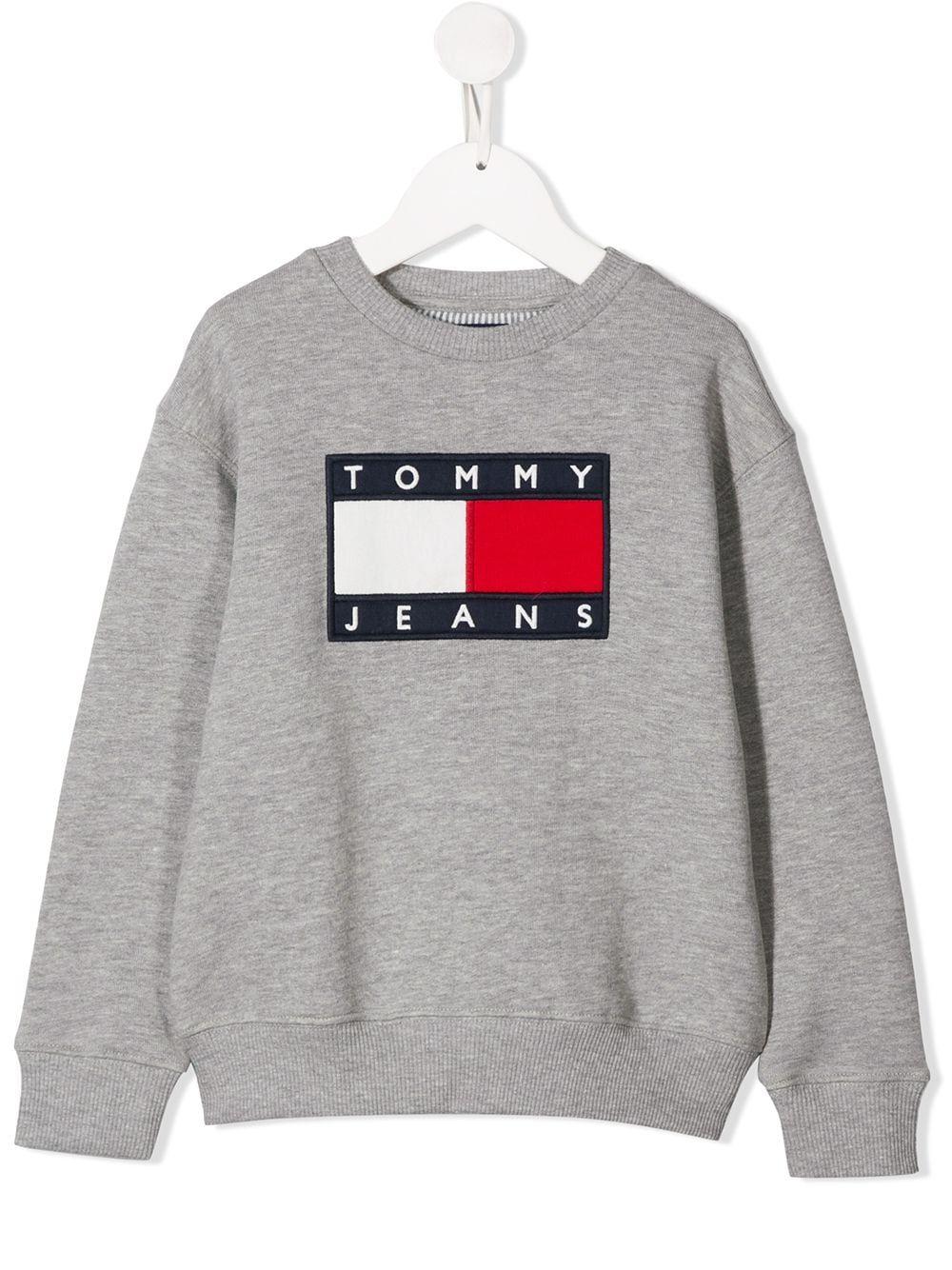 Tommy Hilfiger Junior Logo Print Sweatshirt Farfetch Tommy Hilfiger Sweatshirt Tommy Hilfiger Outfit Printed Sweatshirt Women [ 1334 x 1000 Pixel ]