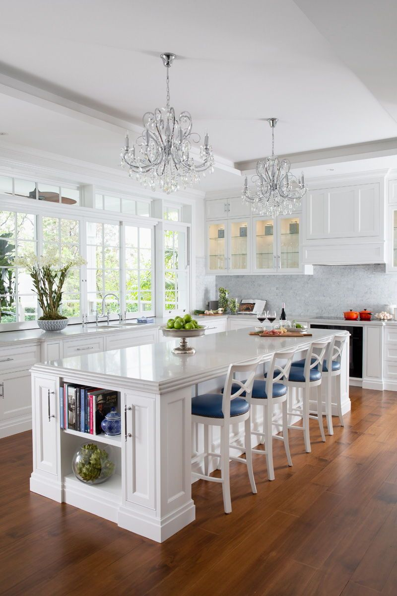 This high end hamptons renovation brings together the best elements of american design with traditional qld also rh pinterest