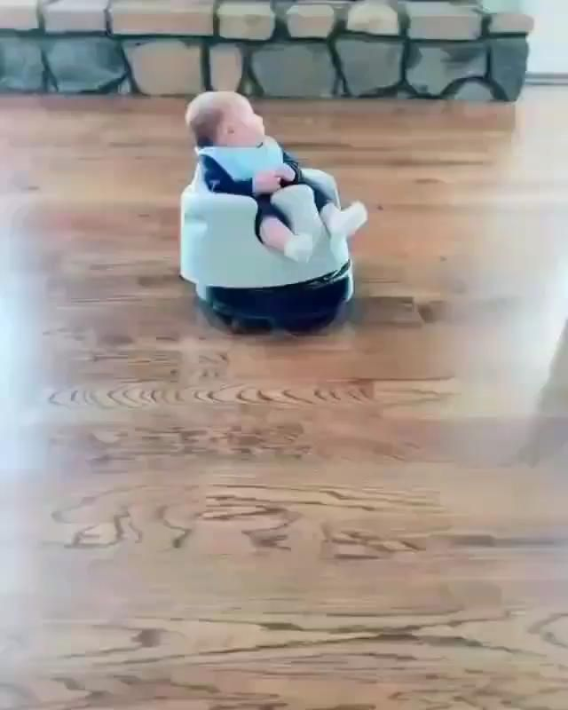 When a robot vacuum meet a baby😂