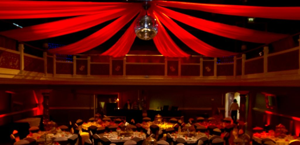 Moulin Rouge / Parisian Image 2