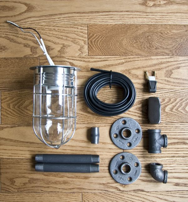 Industrial Pipe Wall Light: Really Cool Industrial DIY Lamp