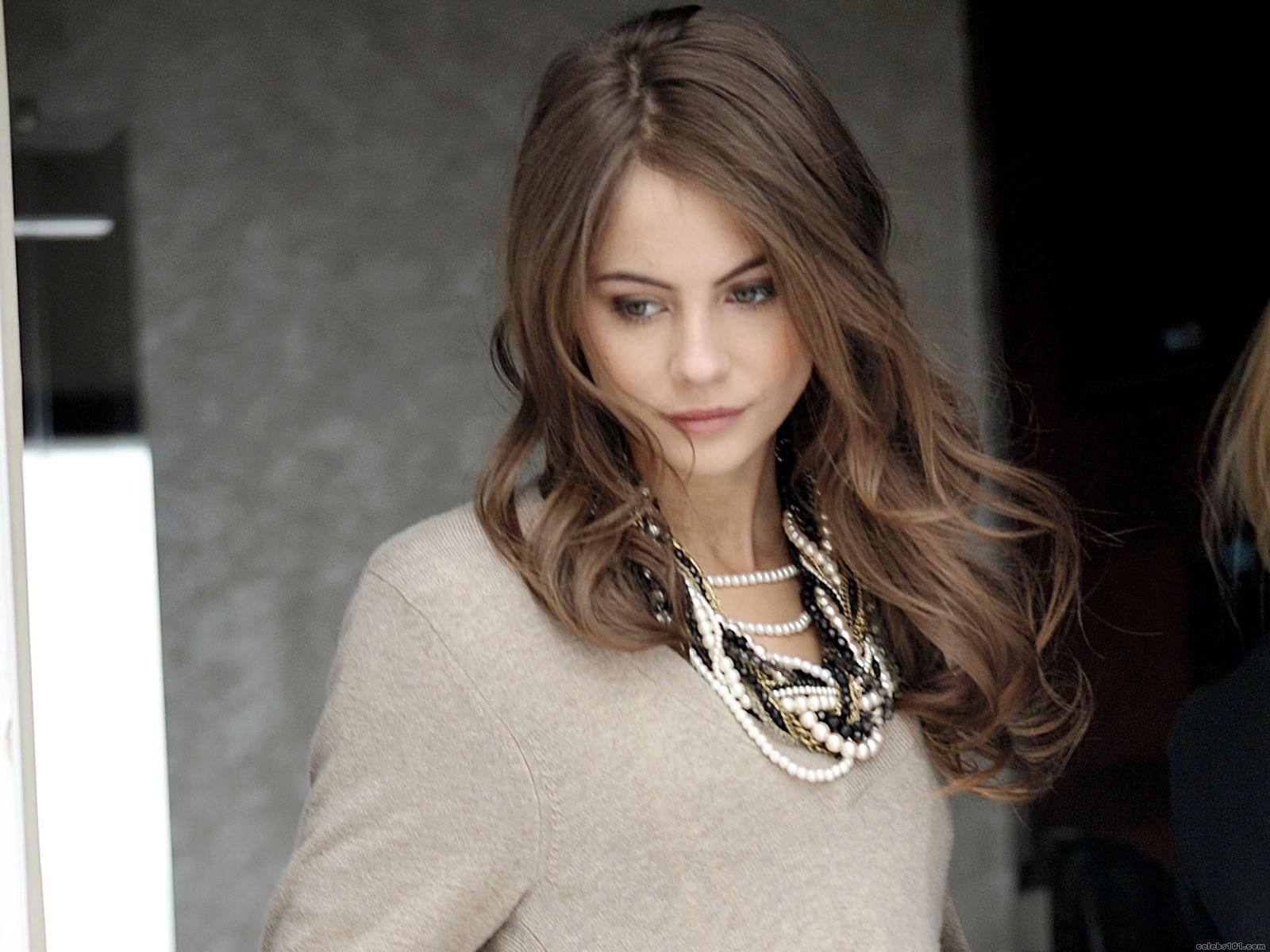 willa holland gif
