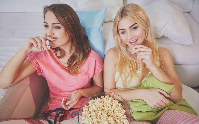 12 Filmes Da Netflix Pra Assistir Com As Amigas Filmes Netflix