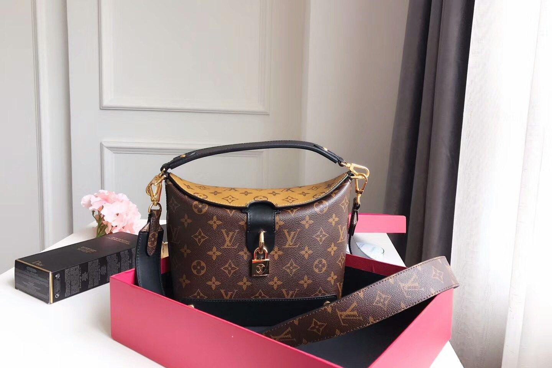 3a7741b95 replica Louis Vuitton Bento Box Bag M43517   Hand bags I love them ...