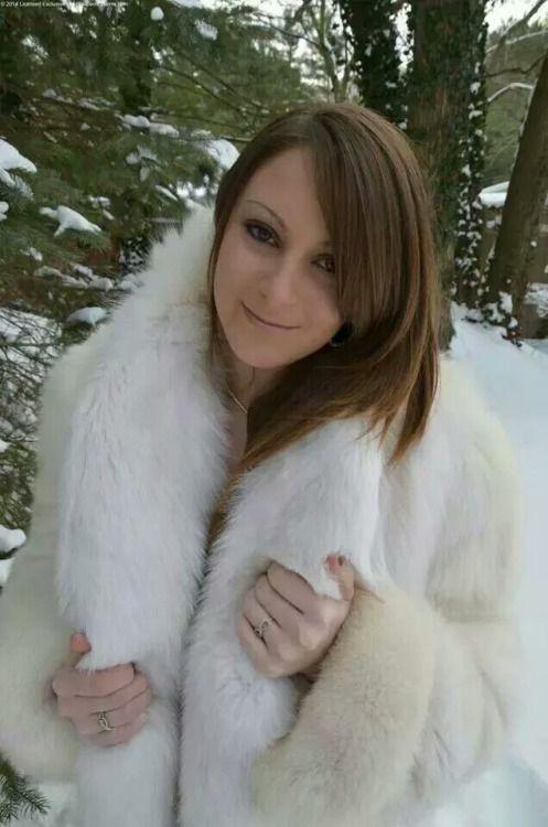 Fur Lover | Cute ladies in furs | Fur, Fox fur coat, Fur Coat