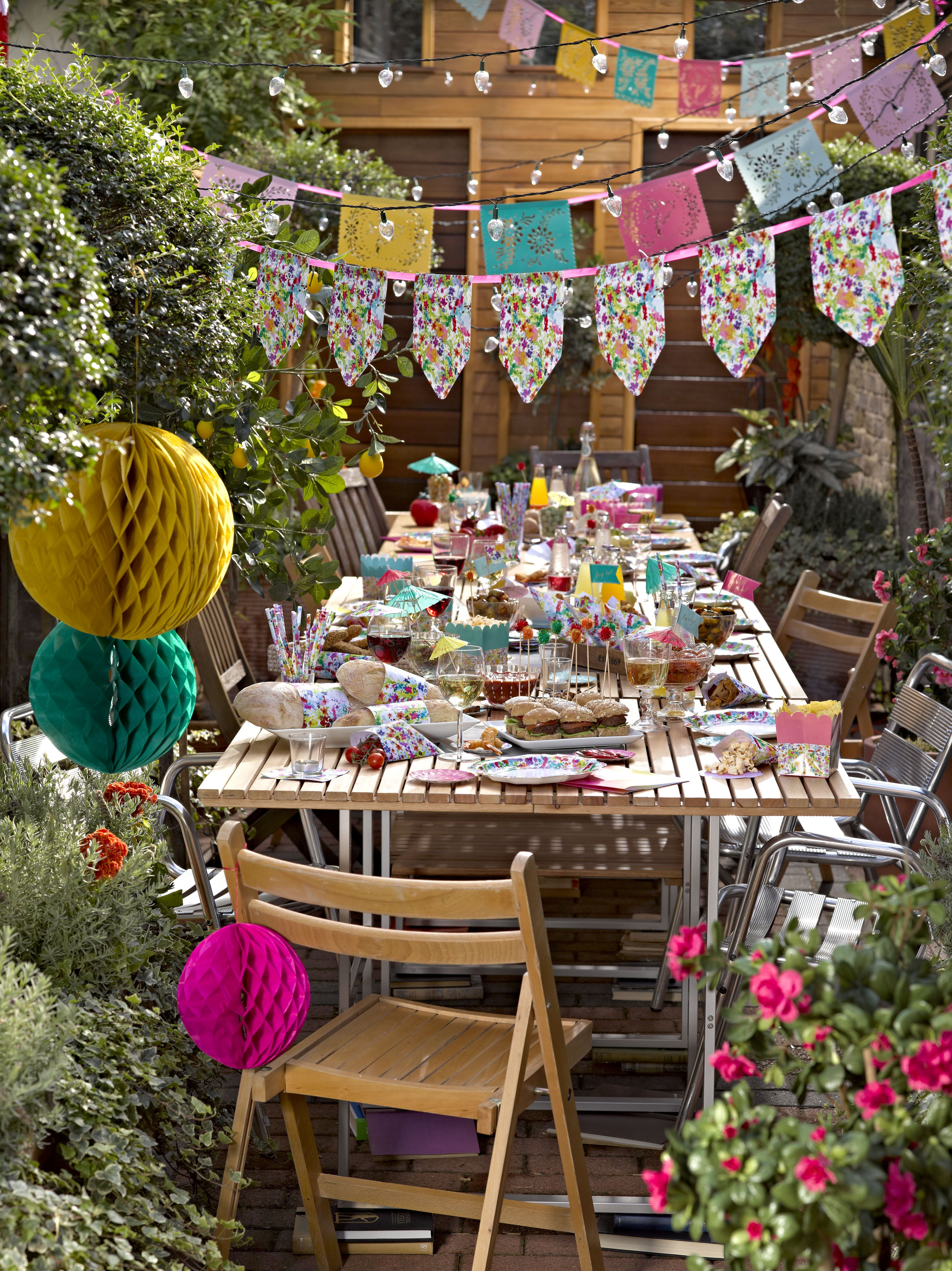 Floral Fiesta Party Http Www Partyboxes At Erwachsenen Party Themen Party Floral Fiesta Part Decoracoes Da Festa De Jardim Festa De Churrasco Festa 30anos